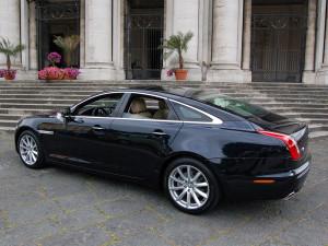 Auto-Sposi-Napoli_Jaguar-XF-auto-nozze