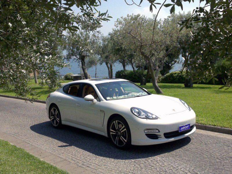Auto Sposi Napoli - Auto per cerimonie | Porsche Panamera