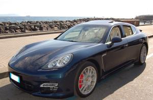 Auto-cerimonie-Napoli_Porsche-Panamera-BLU