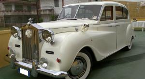 Auto Sposi Napoli | Rolls Royce Princess | Una auto per re e regine al servizio delle cerimonie