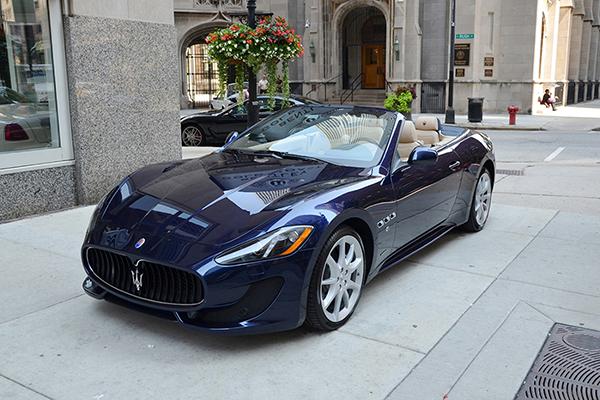 Una vera e propria supercar come auto da cerimonia, la Maserati Gran Cabrio, capolavoro di tecnica e design
