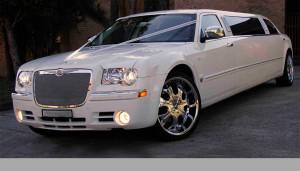 Auto Sposi Napoli   Chrysler Limousine   Una auto per cerimonie improntate al lusso e allo sfarzo