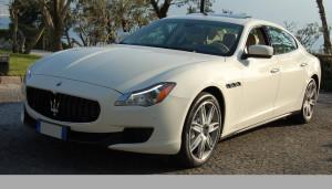 Auto Sposi Napoli | Maserati Quattroporte bianca | Design, sportività ed eleganza in una magnifica auto