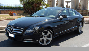 Auto Sposi Napoli | Mercedes CLS | Una ammiraglia lussuosa come auto per cerimonie