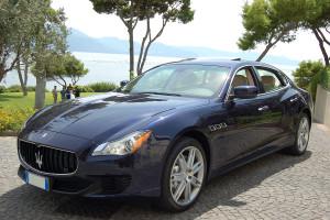 Auto sposi Napoli | Auto per cerimonie | Maserati Quattroporte BLU
