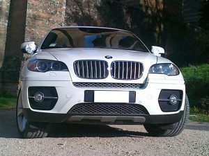 Auto Matrimonio Napoli | BMW X6 in noleggio per gli sposi