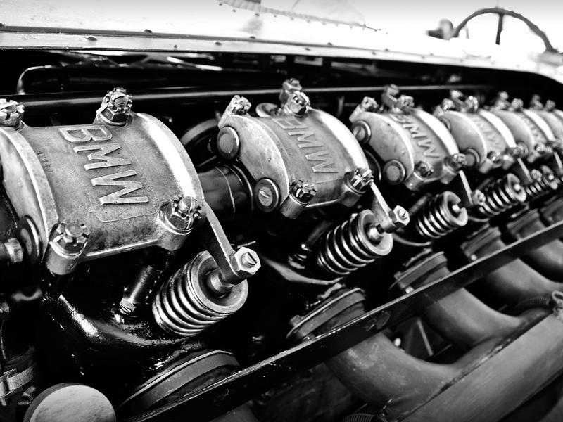 Auto Sposi Napoli - Auto per cerimonie | I cilindri di una BMW dei primi anni '20, storia della tecnologia automobilistica