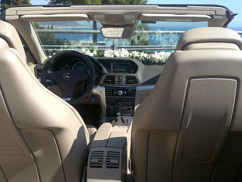 Auto sposi Napoli | Mercedes E Cabrio, una perfetta sintesi di classe e originalità, per cerimonie eleganti