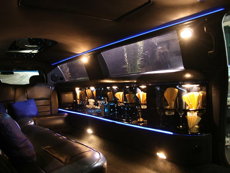 Auto sposi Napoli | Il lusso estremo degli interni di una limousine