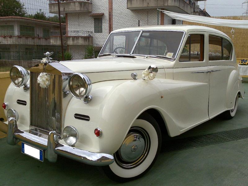 Auto sosi Napoli, auto per cerimonie | Rolls Royce, una auto ideale per le nozze di lusso