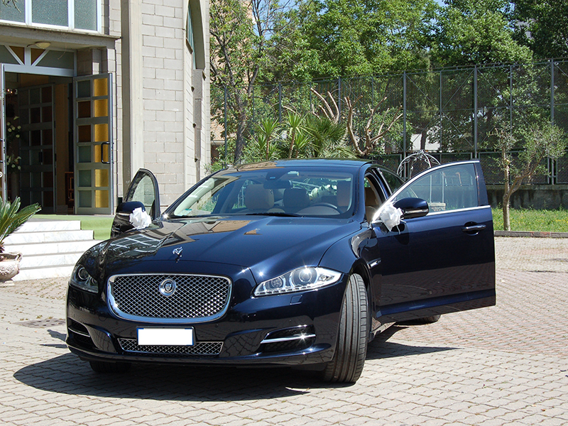 Auto Matrimonio Napoli | Jaguar XJ per le nozze