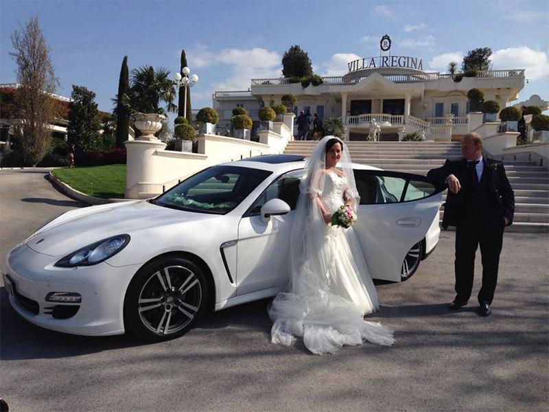 Auto sposi Napoli | Autonoleggio nozze | Porsche Panamera per sposi