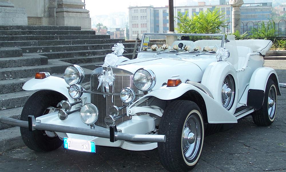 auto-sposi-Napoli_Excalibur-d-epoca_noleggio-matrimonio