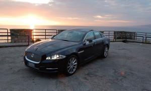 auto-sposi-Napoli_Jaguar-XJ_noleggio-matrimonio