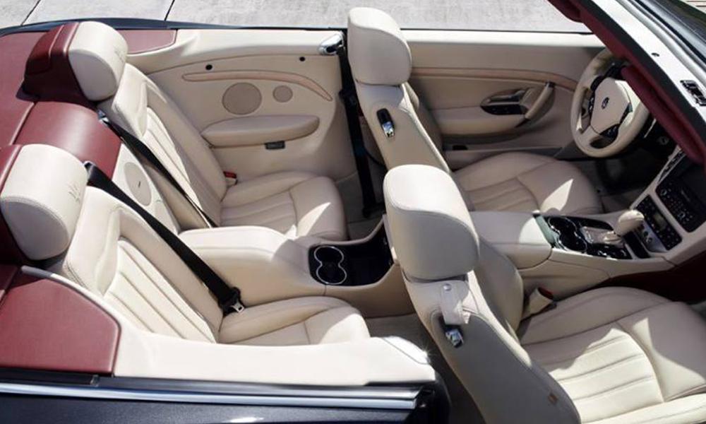 auto-sposi-Napoli_Maserati-Gran-Cabrio_noleggio-cerimonie