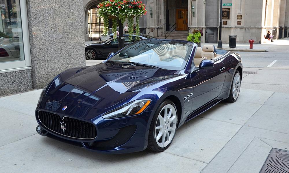auto-sposi-Napoli_Maserati-Gran-Cabrio_noleggio-matrimonio