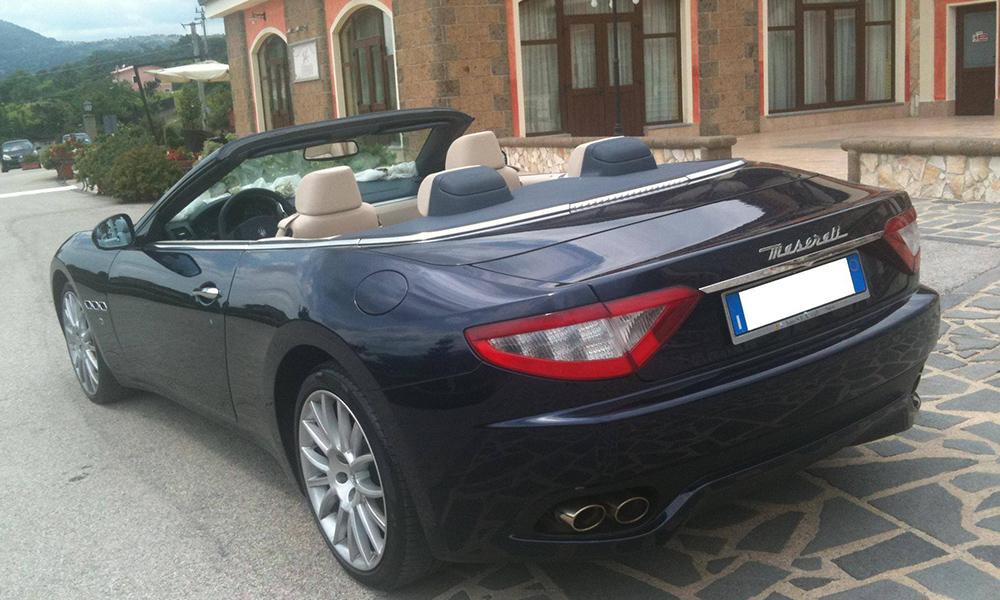 auto-sposi-Napoli_Maserati-Gran-Cabrio_noleggio-nozze
