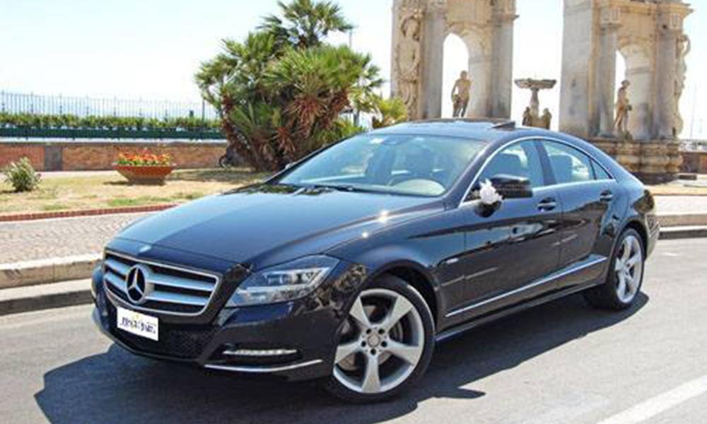 auto-sposi-Napoli_Mercedes-CLS_noleggio-cerimonie