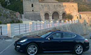 auto-sposi-Napoli_Porsche-Panamera-blu_noleggio-cerimonie