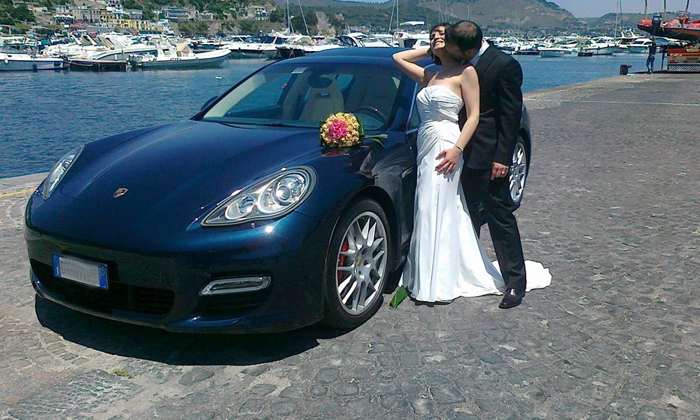 auto-sposi-Napoli_Porsche-Panamera-blu_noleggio-con-autista