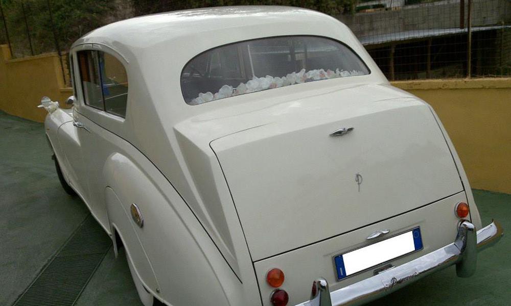 auto-sposi-Napoli_Rolls-Royce-d-epoca_noleggio-con-autista
