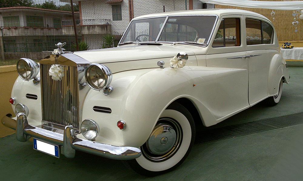 auto-sposi-Napoli_Rolls-Royce-d-epoca_noleggio-matrimonio