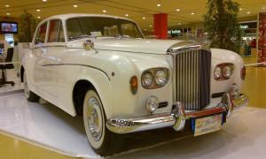 auto-sposi-Napoli_Rolls-Royce-princess-d-epoca_noleggio-cerimonie