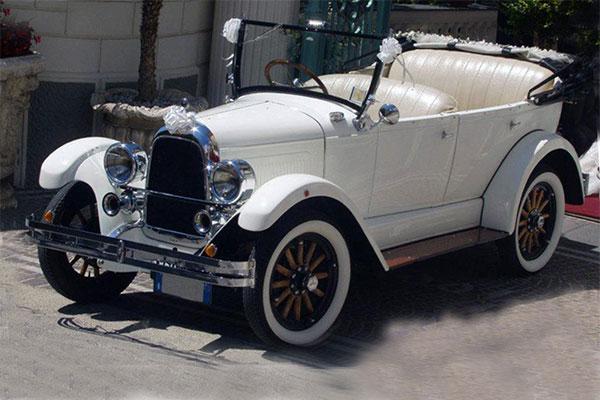 La Whippet, una auto d'epoca in grado di donare una atmosfera da sogno alle cerimonie
