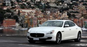 Auto Sposi Napoli   Maserati Quattroporte bianca   Design, sportività ed eleganza in una magnifica auto