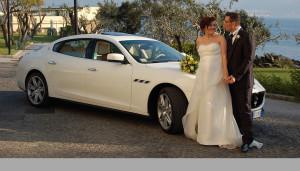 Auto Sposi Napoli | Una Maserati bianca per una cerimonia di matrimonio