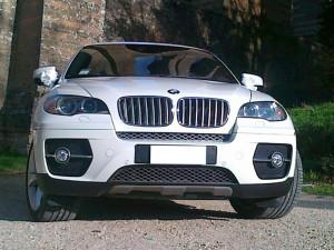 Auto Matrimonio Napoli | BMW X6, una auto dalle caratteristiche uniche, ideale per gli sposi