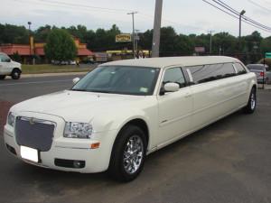 Auto Matrimonio Napoli   Limousine, per sposi che desiderano il massimo